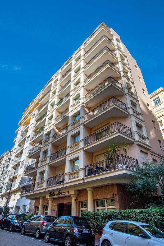 Villa mimosa groupe pastor location d appartement monaco for Cuisine exterieure monaco